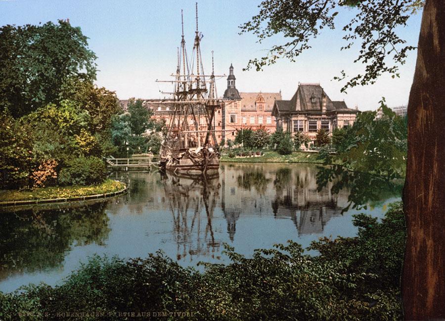 The_Tivoli_park,_Copenhagen-AMUSEMENT-PARKS-11